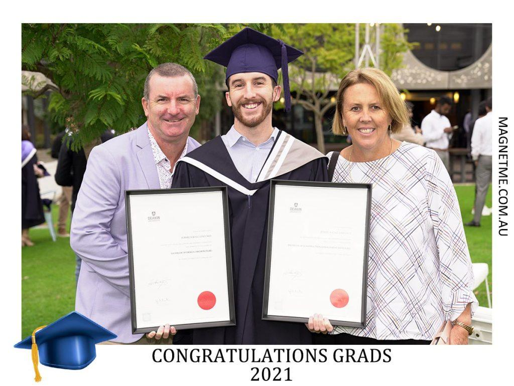Graduations - image University-Graduation-Photo-Magnets-1024x770 on https://magnetme.com.au